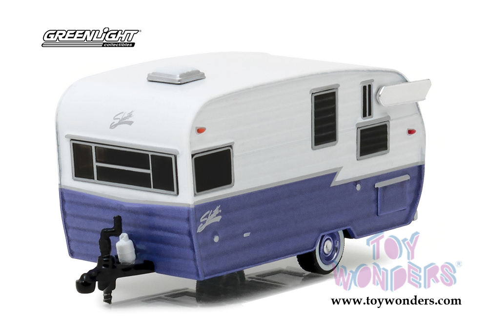 Greenlight - Hitched Homes Series 1 | Shasta 15' Airflyte Travel Trailer  (1/64 scale diecast model car, White/Purple) 34010E/48