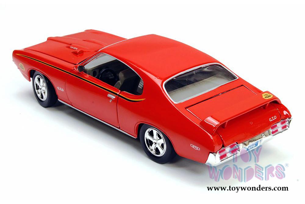 ORANGE 1969 PONTIAC GTO JUDGE 1:24 MOTORMAX Showcasts Diecast Car
