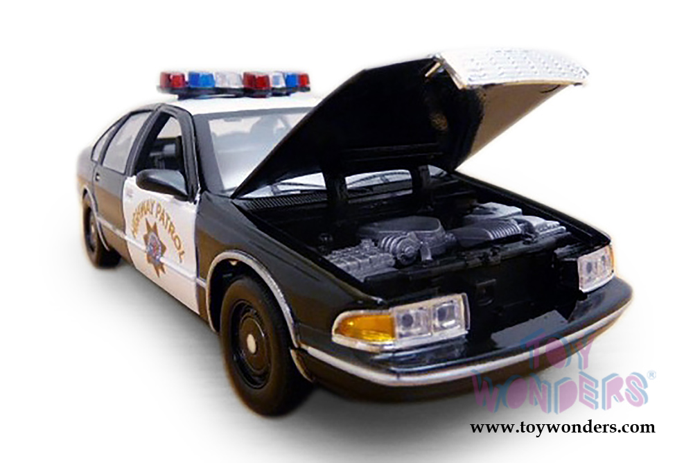 Motormax - Chevrolet® Caprice™ CHP California Highway Patrol (1993, 1/24  scale diecast model car, Black/White) 76442CA