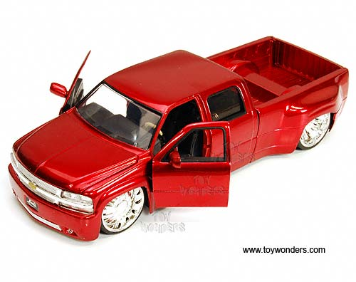 1999 Chevy Silverado Dooley Pickup Truck 90146IT 1 24 Scale Jada Toys Bigtime Kustoms Wholesale Diecast Model Car