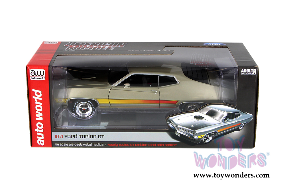 Auto World American Muscle - Ford Torino GT Hard Top (1971, 1/18 scale  diecast model car, Light Pewter Metallic) AMM1074
