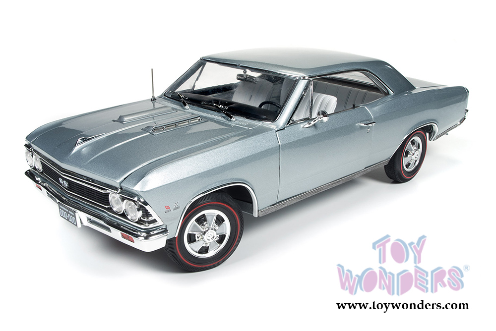 Auto World American Muscle - Chevy Chevelle SS Hard Top (1966, 1/18 scale  diecast model car, Chateau Slate) AMM1090